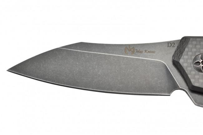 Maxknives MK132-CF Lame acier D2 manche fibre de carbone