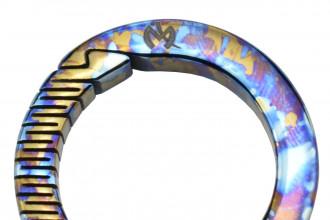 Maxknives MKTI1831 Anneau mousqueton Titane anodisé crazy traitement Diamètre 31mm