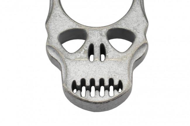 Maxknives PASKSA Poing américain Skull en aluminium silver antique