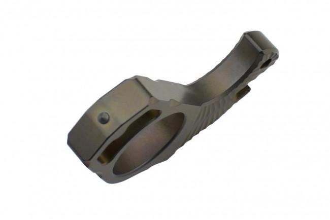 MaxKnives TIKNU3+ Impact tool en Titane anodisé avec brise-vitre